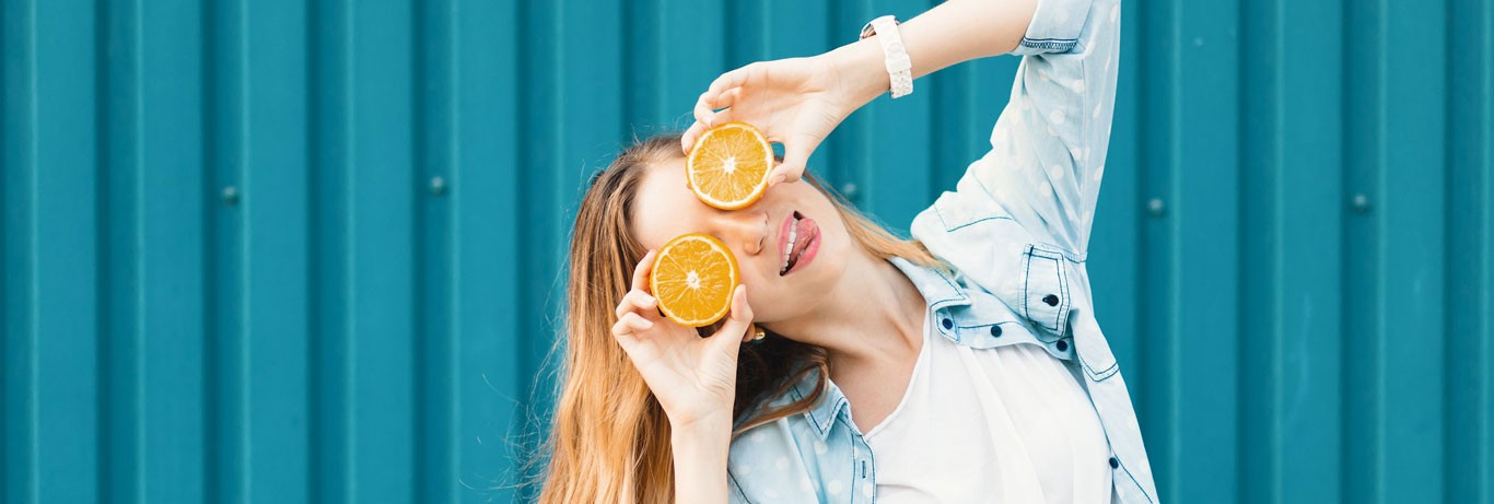 Vitamina C: tudo que você precisa saber para sua rotina de beleza